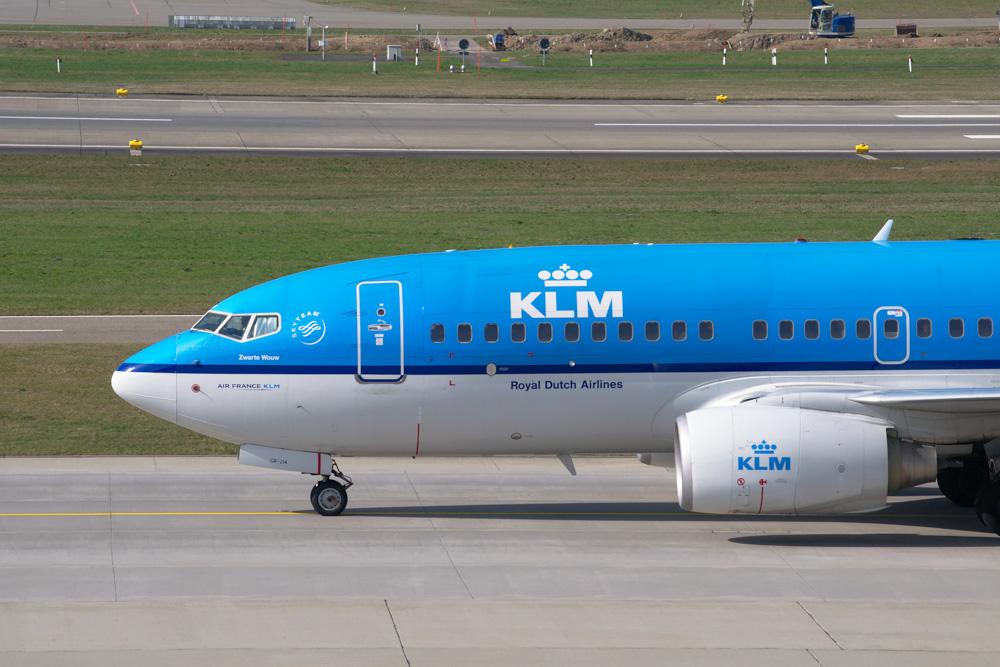 KLM airplane up close - KLM flight delay compensation