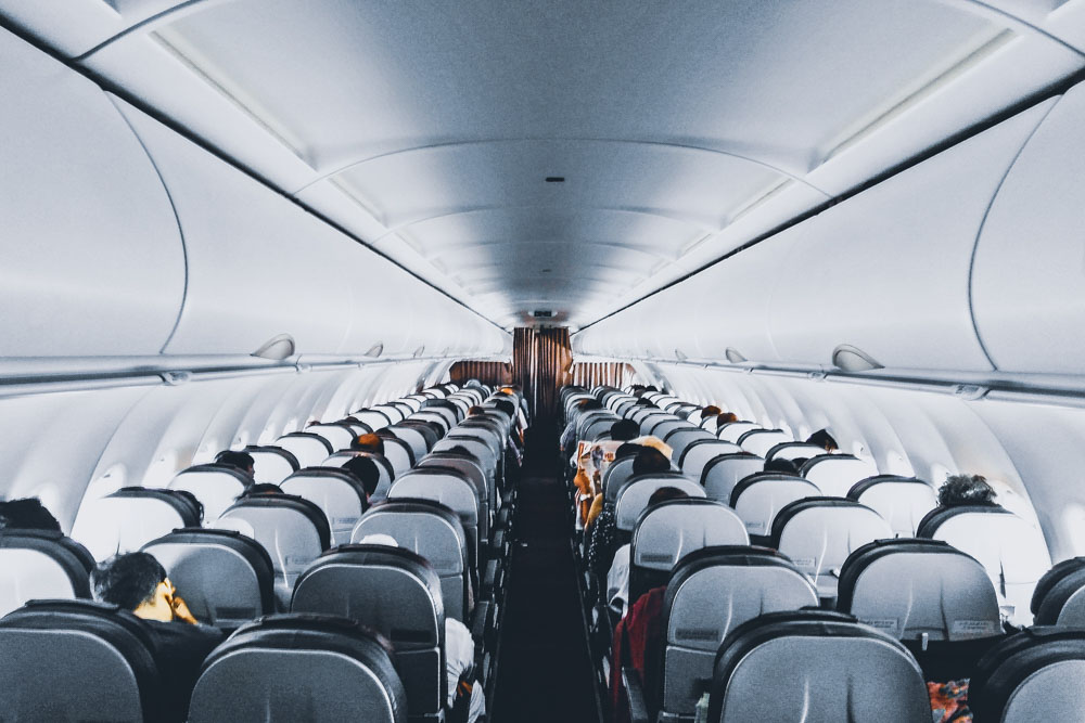 Full Service And Low Cost Airlines Main Differences Refundor