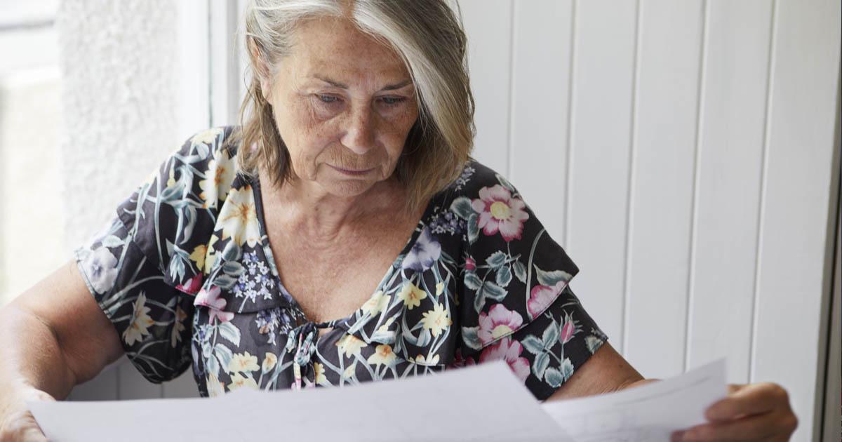 Bild kvinna räkningar