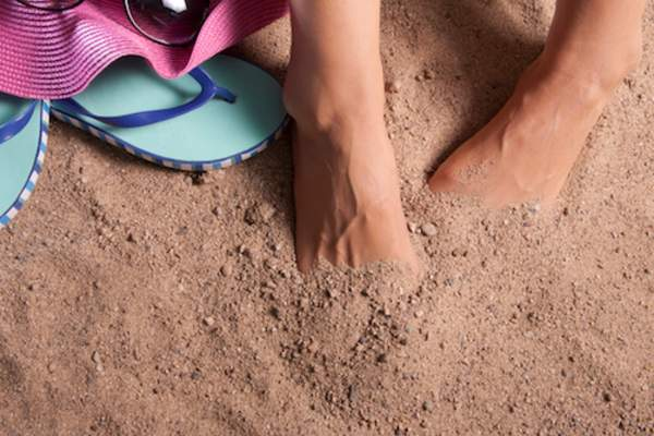 hiding toes in sand
