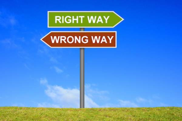 right way and wrong way signs