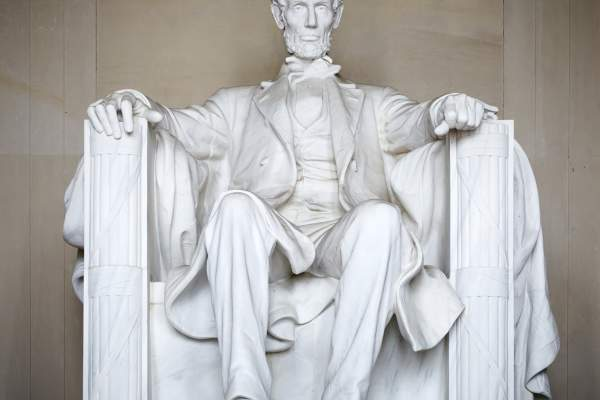 Statue of Abraham Lincoln.