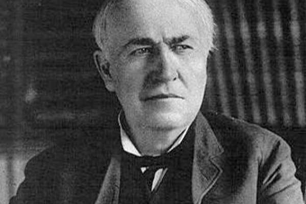 Photo of Thomas Alva Edison.