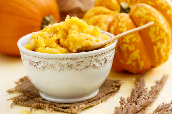 Bowl of cooked pumpkin.