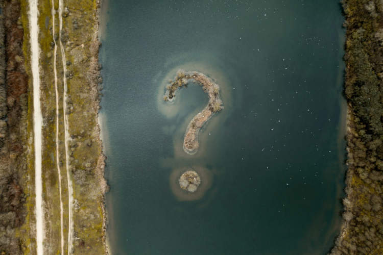 island on lake in shape of question mark