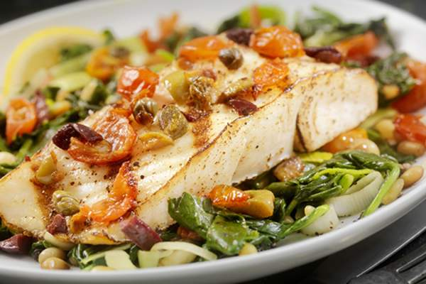 healthy fish dinner image