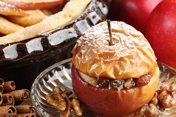 Baked apple dessert.
