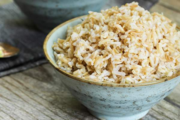 Brown rice in bowl.
