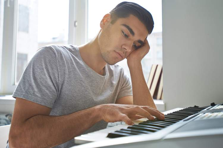 Man with bipolar disorder no longer interested in playing the piano.