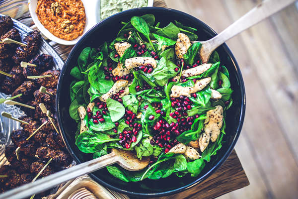 Spinach Salad with Chicken and Pomegranate