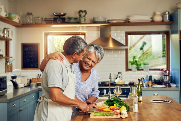 Couple preparing healthy meal.