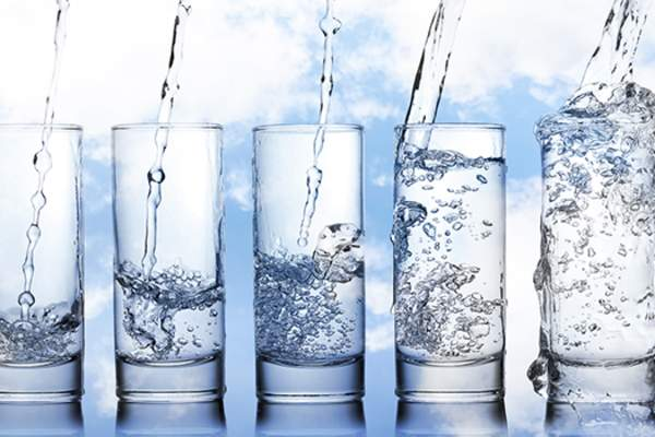 glasses of water image
