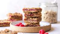 Raspberry-Oat Streusel Bars