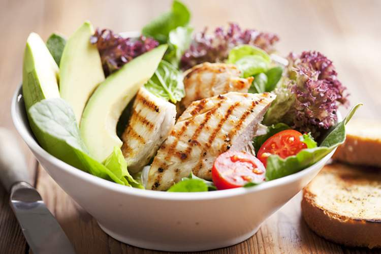 Salad with chicken and avocado.