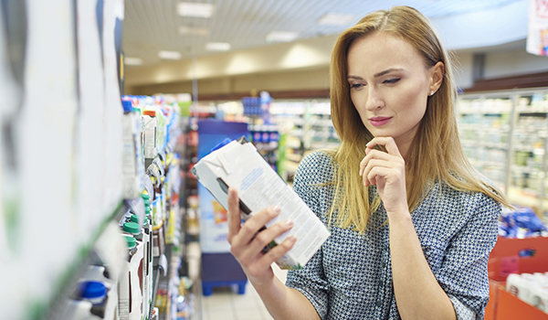 Woman-choosing-supermarket-iStock-639303838-2