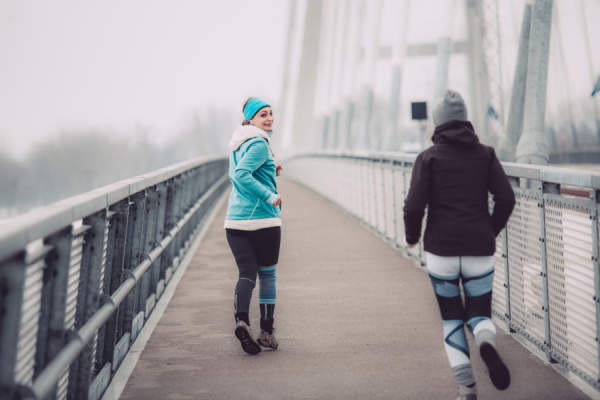 people running in winter
