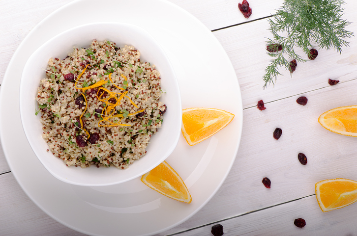 Quinoa-cranberry-salad-blend-HS-iS-613222802