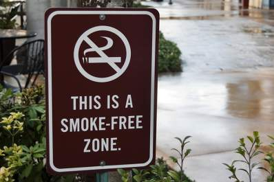 Smoke free zone sign, no smoking.
