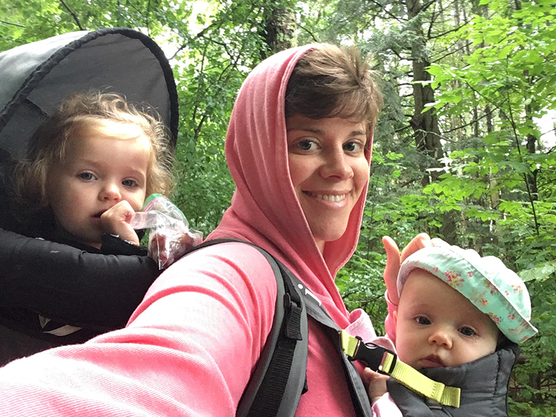 Writer Ginger Vieira flanked by her healthy babies.