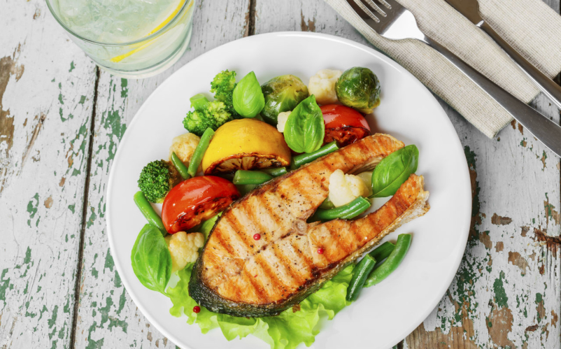 plate of salmon and veggies