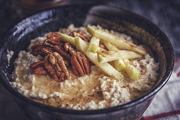 Oatmeal with nuts and pears.