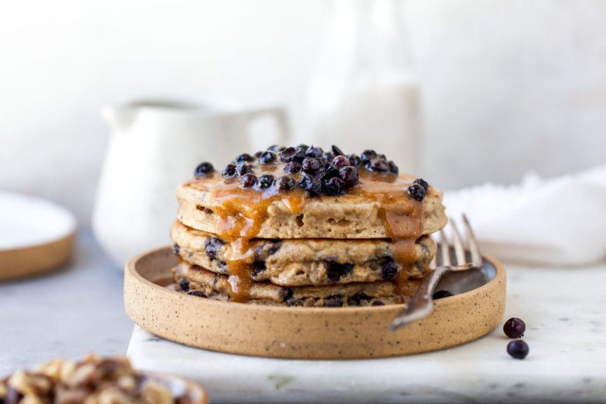 Fluffy Blueberry Oatmeal Pancakes