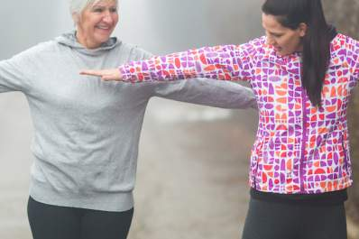 Women exercising together to make positive lifestyle changes that prevent diabetes.