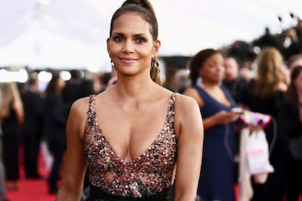 Actor Halle Berry attends the 24th Annual Screen Actors Guild Awards at The Shrine Auditorium on January 21, 2018 in Los Angeles, California.