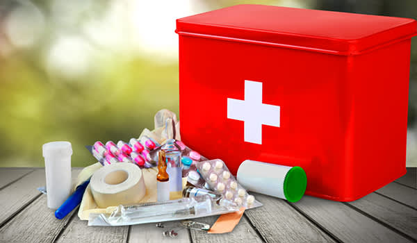 How to Prepare a First Aid Kit | HealthCentral