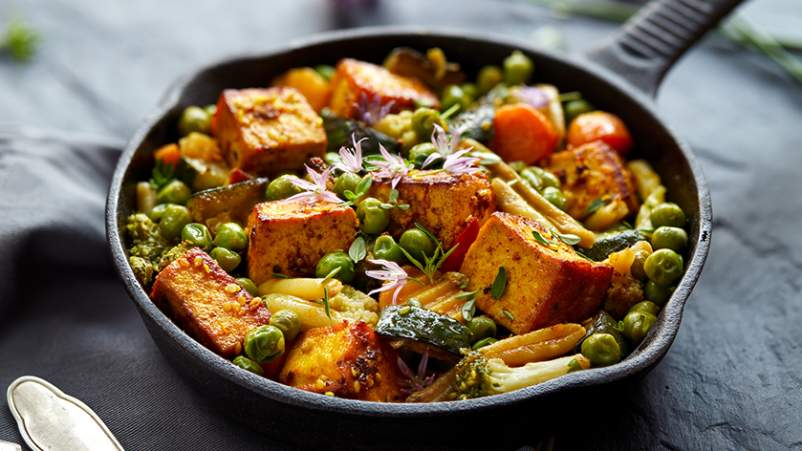 Tofu and peas.