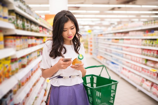 woman grocery shopping image