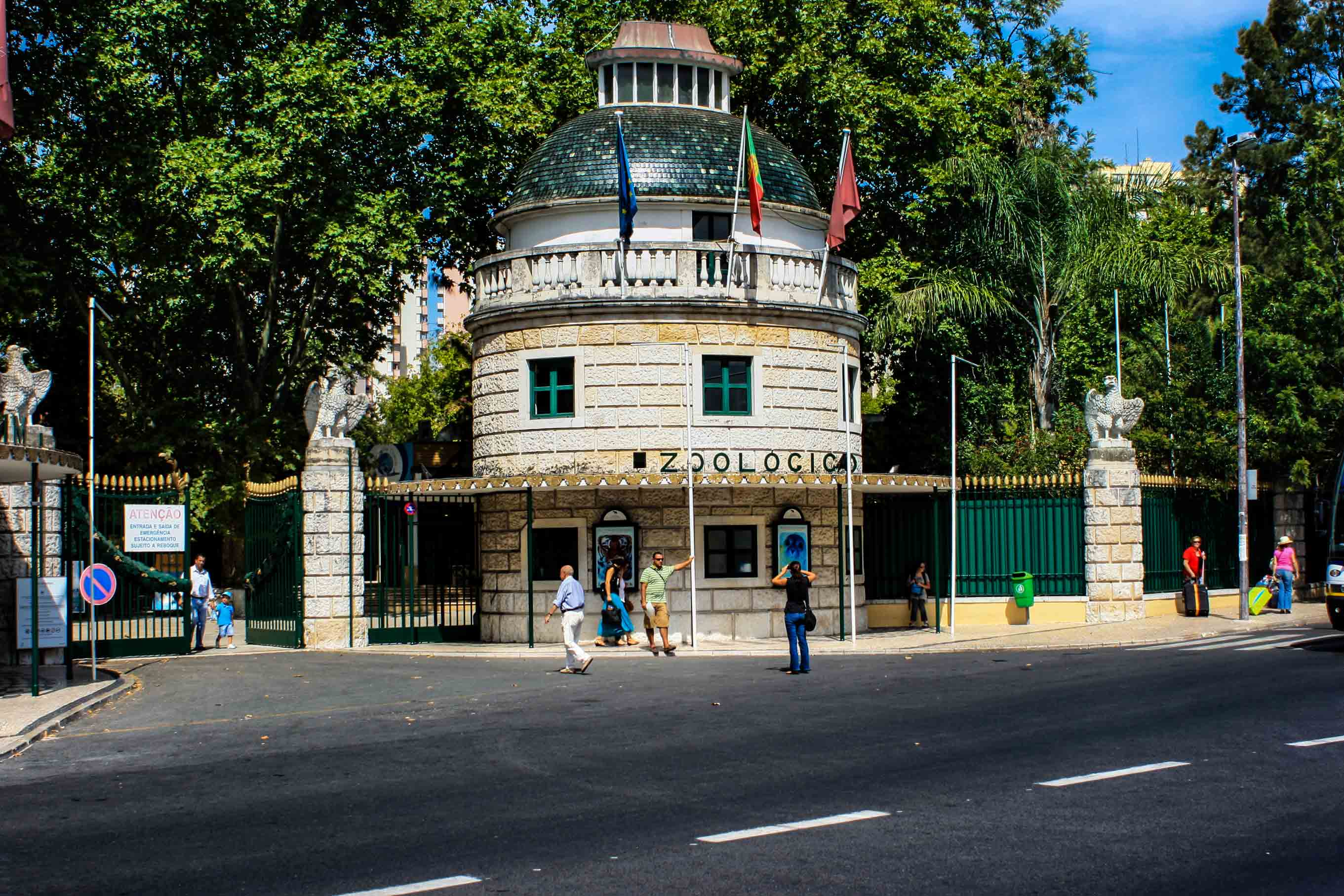 9.Lisbon-Zoo-Portugal-entrance
