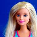 Thumb-Barbie-doll-portrait