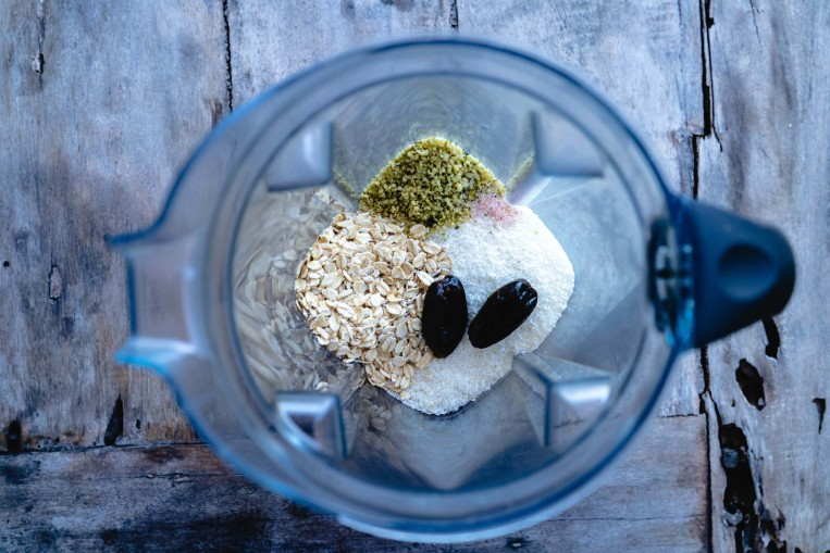 blender-oats-dates-hemp-coconut-salt.jpg