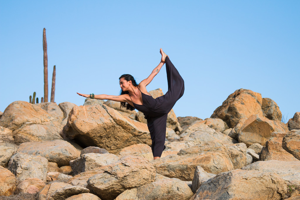 bee-bosnak-dancer-yoga-rocks-cactus.jpg