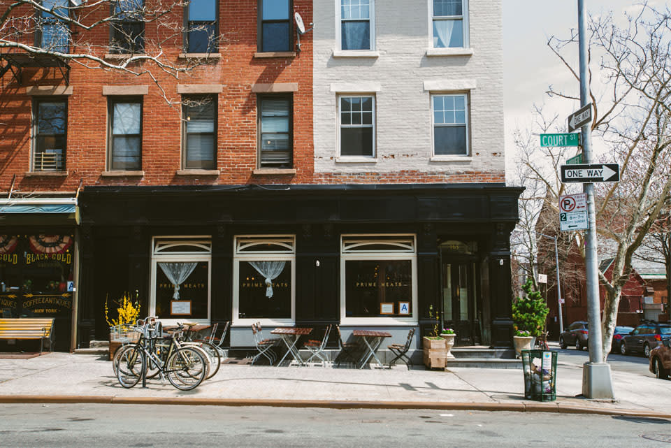 A Sea Of Trendy Brooklyn Hoods Carroll Gardens Remains An Anomaly For One Vital Reason Newcomers Remain Notoriously Committed To Preserving And