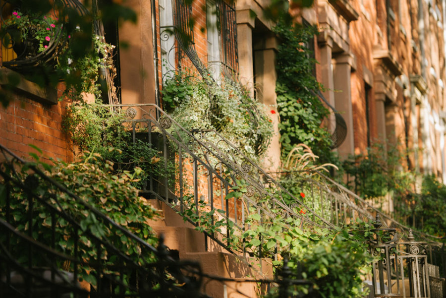 Brooklyn heights nyc neighborhood guide compass for Buying a home in brooklyn