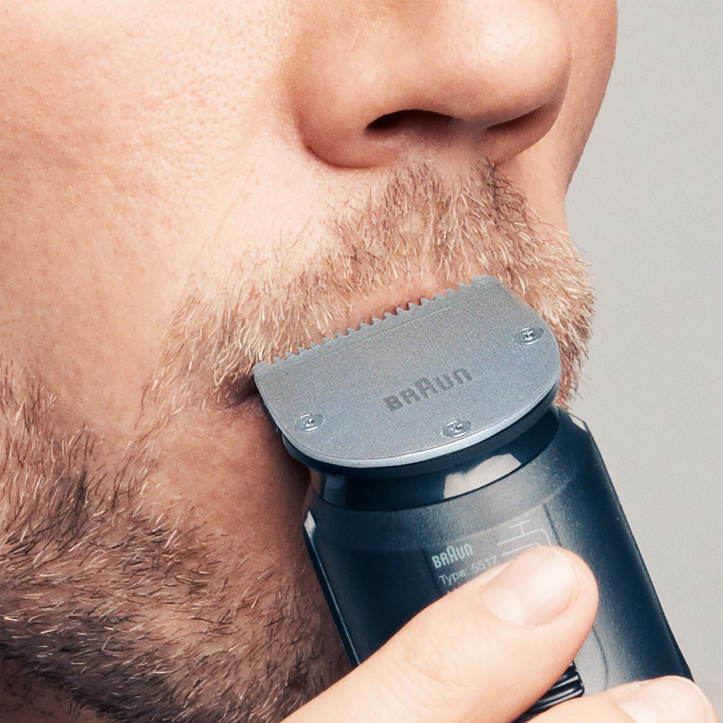 Braun BeardTrimmer BT7020 - In use