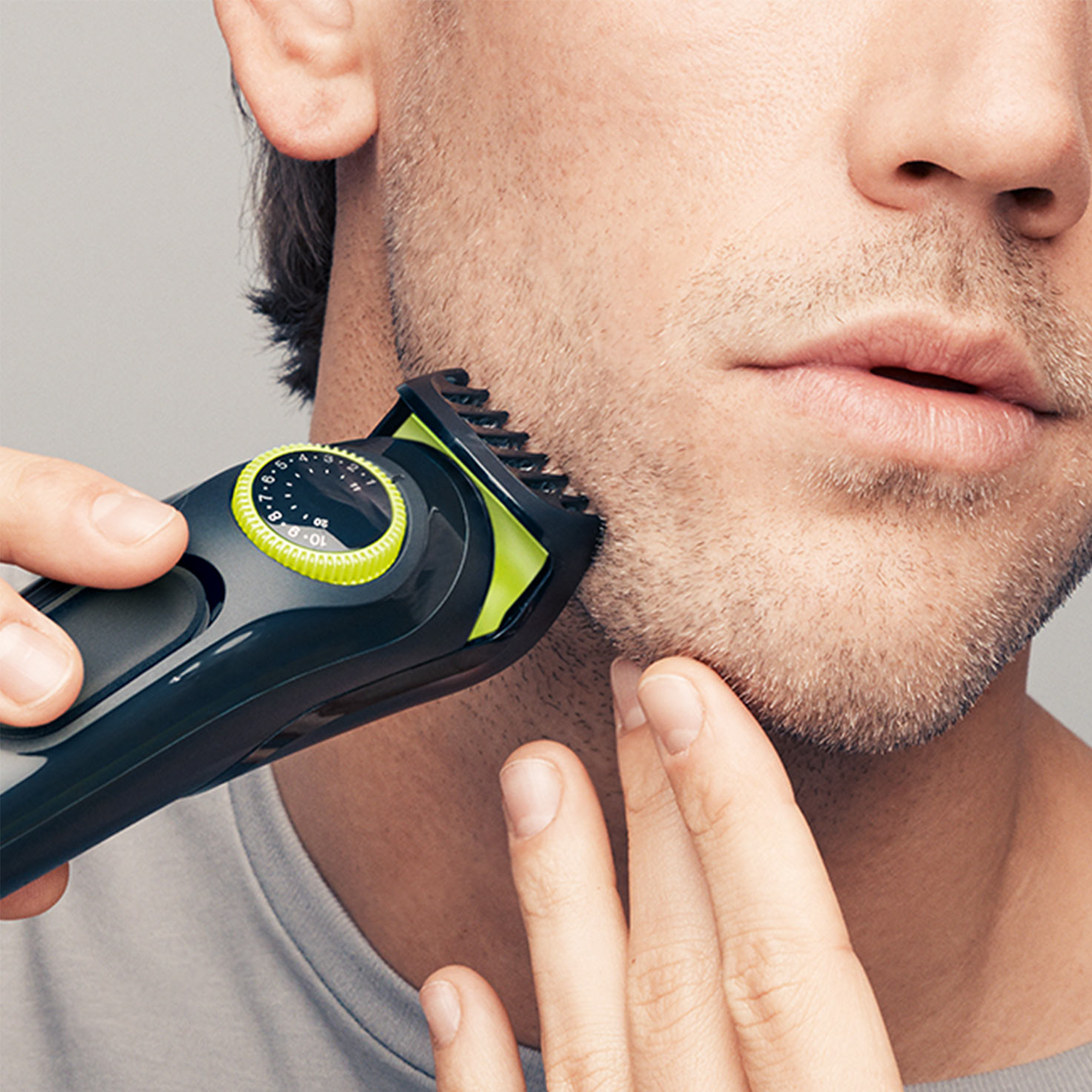 Braun BeardTrimmer BT3021 - In use