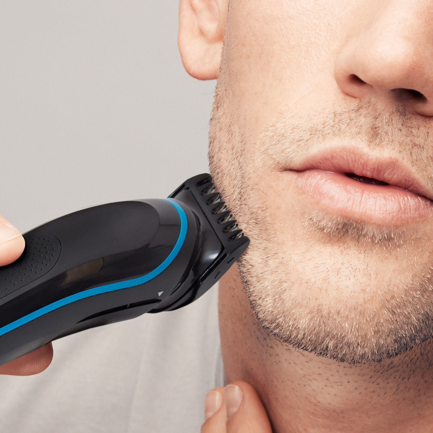 Braun All-in-one trimmer MGK5080 - In use