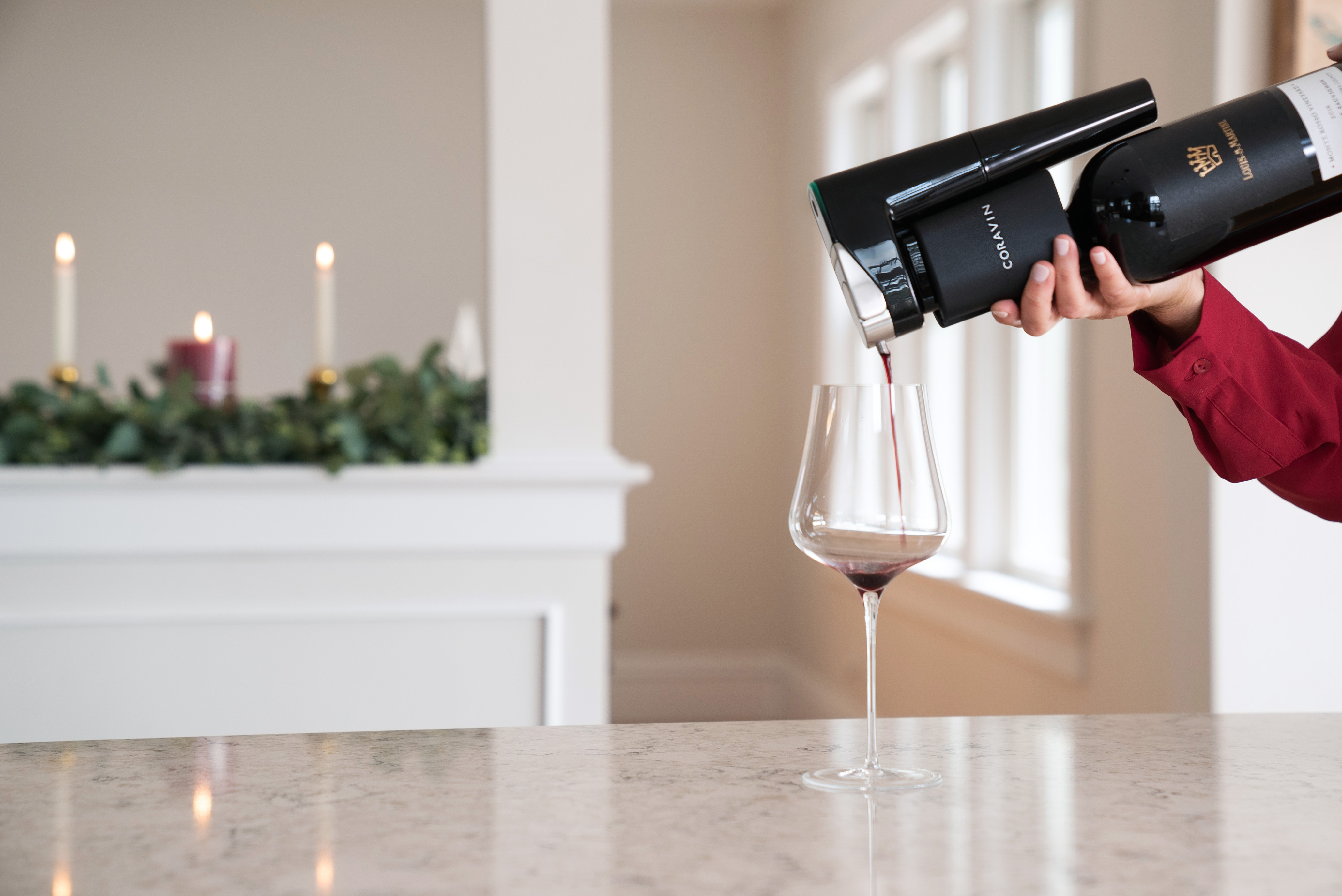 Model eleven coravin pour red wine