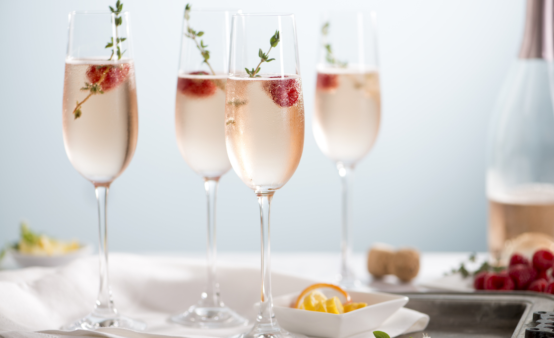 Rose-Champagne-Cocktails-861681070 7360x4912 (1)