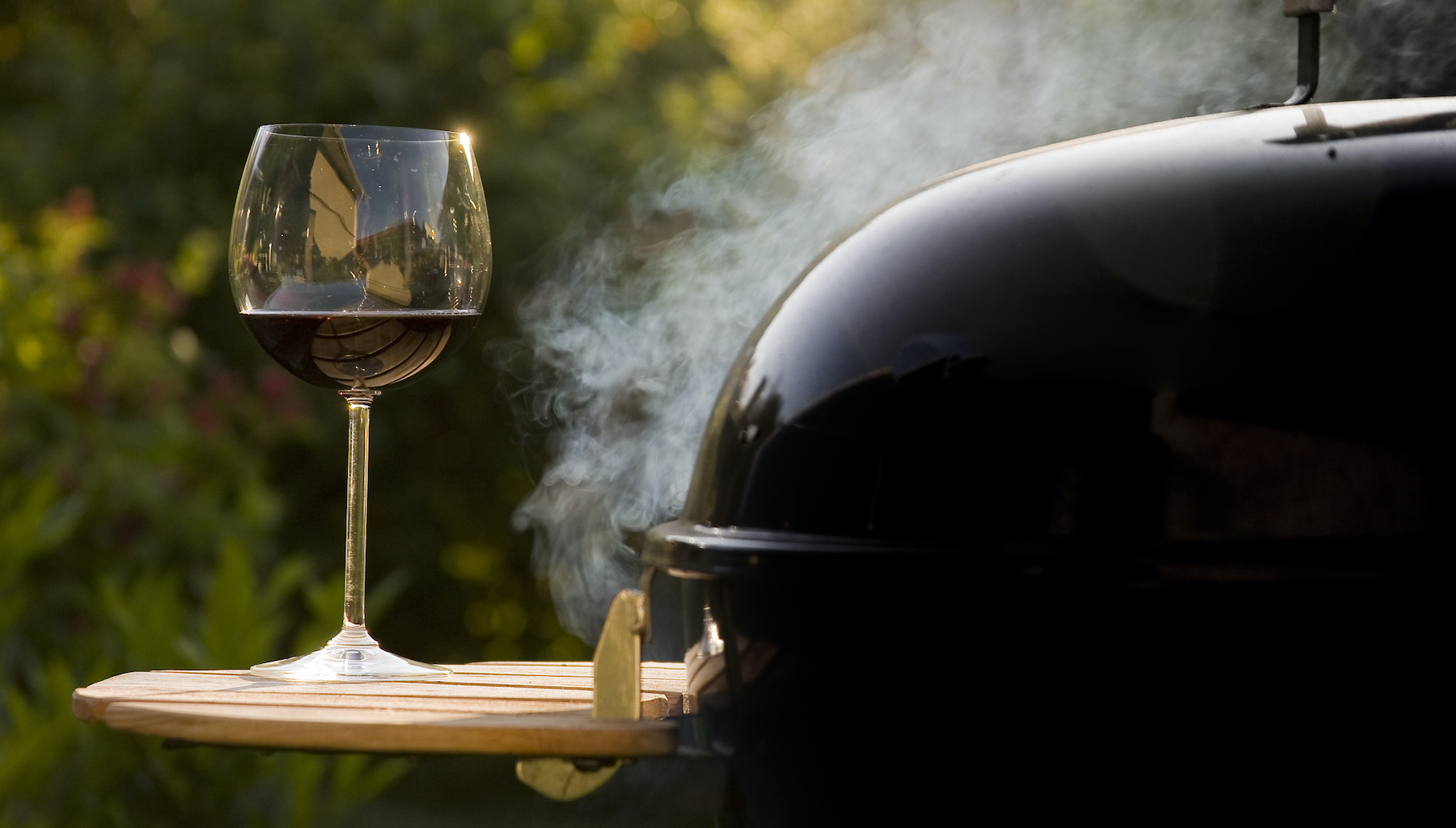 Wine-and-BBQ-146803279 2051x1465