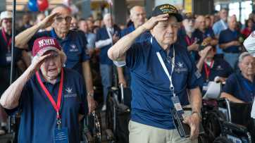 Gary Sinise and GSF Honor The Greatest Generation on the 75th Anniversary of V-J Day
