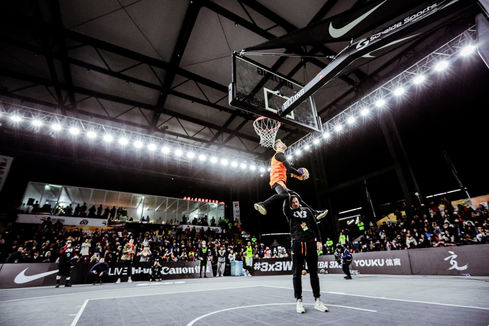 Lipek dunk contest UN4A0399