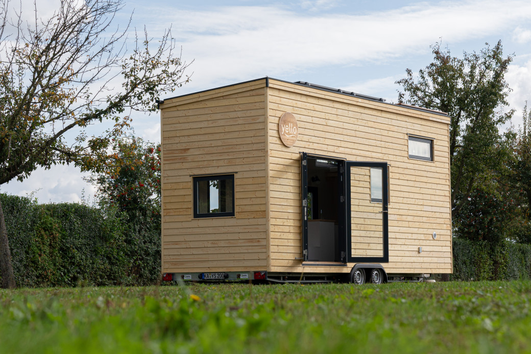 Yello baut ein Tiny House