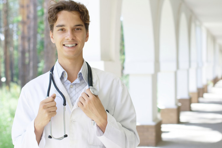 Guarantee Med School Admission with These 5 BS/MD Programs