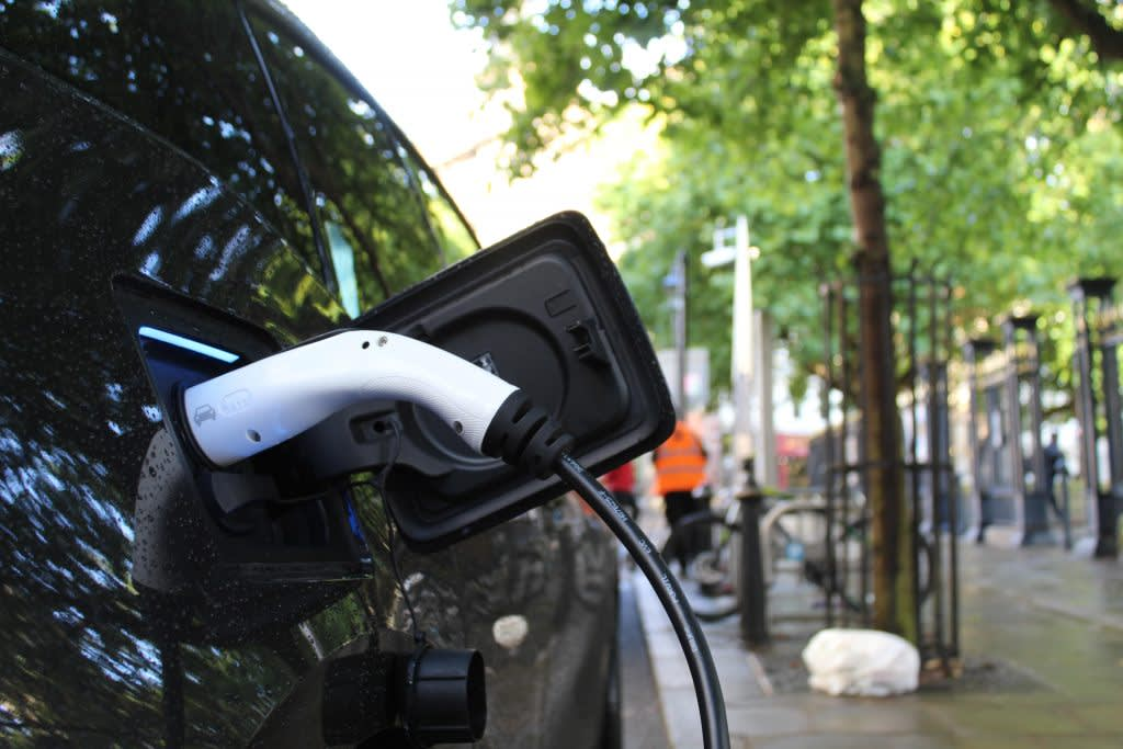 Why and how you should be offering electric vehicle (EV) charging at your business - Hero Image