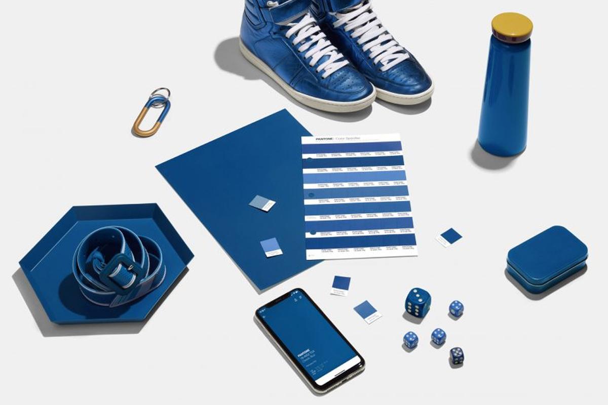 featured pantone-kleur-2020-classic-blue 2
