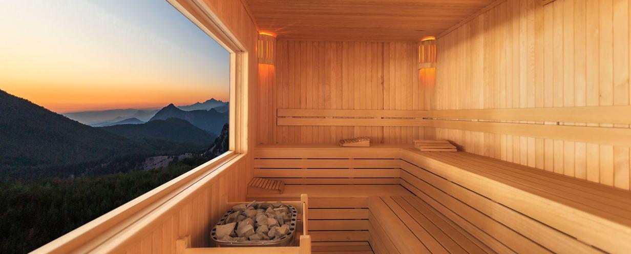jetzt wird s hei ab in die sauna athleten. Black Bedroom Furniture Sets. Home Design Ideas